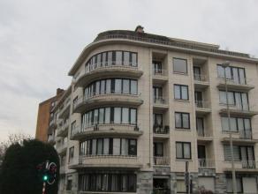 Appartement sis au 4ime tage comprenant hall d'entre avec vestiaire, toilette spare avec coin  djeuner et accs au balcon, placard, living spacieux ave