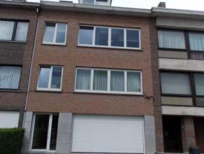 Confortable appartement au premier étage avec deux chambres à Strombeek-Bever,comprenant: entrée générale et