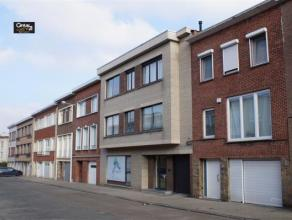 Appartement une chambre non loin du centre de Strombeek-Bever et a proximité des magasins et transports publics. L'appartement contient un livi