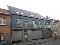 Nieuwbouw - mooi instapklaar gelijkvloers appartement: Inkomhal (tegels), leefruimte (tegels) 31,4m² met super ingerichte keuken, berging 2,86m&s