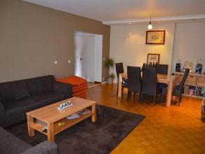 Description Appartement situé au deuxième étage d'une superficie de 85m2 avec entrée avec toilette et vestiaire, salon, cu