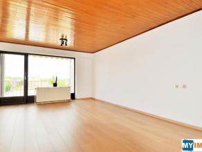 Berchem-St-Agathe - Bel appartement rafraichit et très lumineux, d'une surface habitable de +- 85m² et comprenant : Un grand hall d'entr&e