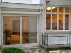 Schaerbeek (Boulevard Brand Whitlock), Prestigieuse maison de maître située dans un quartier résidentiel tranquille. Rez-de-chauss