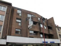 Gilly- proche des commerces-bus et métro Appartement une chambre remis à neuf,disposant d'un beau living Se composant comme suit: hall d