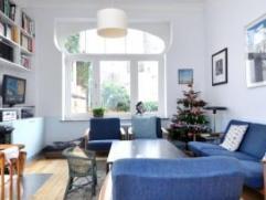 Quartier Edith Cavell, superbe maison de Â135m² avec de hauts plafonds moulurés . Comprenant au rez: une cuisine hyper-équip&