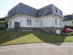 TERVUREN - Situé au calme dans un cul-de-sac, à distance de marche du parc de Tervuren, villa très spacieuse et bien entretenue c