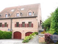 Villa 3 façades spacieuse dans quartier résidentiel. Dans quartier calme, près des Forêt de Soignes (5min à pied) e