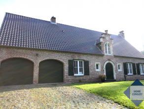 Villa située dans quartier résidentiel sur 12are36ca à deux pas de la Foret des Soignes, le centre et le parc de Tervuren. A 3km
