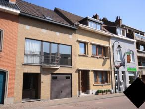 Bel-étage dans le centre de Tervuren. Magasins, restaurants, le parc de Tervuren et les transports publics (tram, bus) à deux pas.<br />