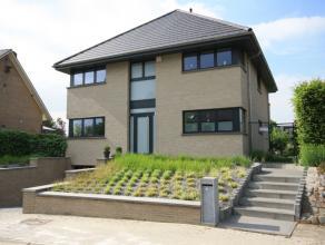 Recente spacieuse villa dans quartier résidentiel sur 7,5are. Près de l'école BSB à Tervuren (4,8km) et à 5,2km de