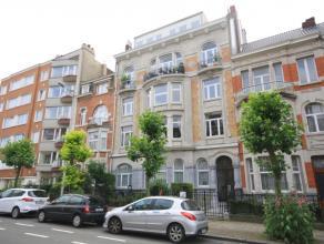 Magnifique appartement spacieux avec 3 chambres à coucher, situé dans une maison de maître.<br /> Surfaçe habitable 156m&su