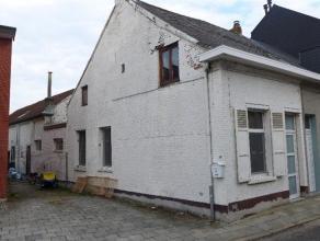 Prijs : euro 198.000 Aantal slaapkamers : 2 Aantal douchekamers : 1 Adres : Zellaerstraat 8, 2820 BONHEIDEN Bewoonbare opp. : 142 m² Woongedeelte