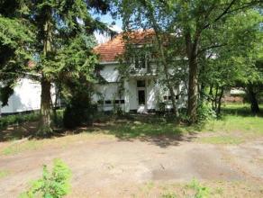 Prijs : euro 275.000 Aantal slaapkamers : 3 Adres : Rijmenamseweg 39, 2820 BONHEIDEN Grondoppervlakte : 1100 m²