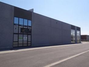 Bedrijvenpark Het Grootveld: Bedrijfsgebouw unit 17 met een bruto oppervlakte van 450m2  Dit representatief nieuwbouw bedrijvenpark is gelegen aan de