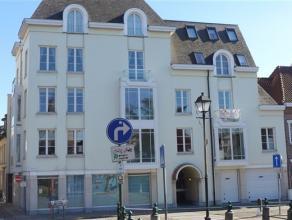 Luxueus appartement in het centrum van Lier  Dit ruim appartement (125m²) beschikt over 2 ruime slaapkamers, badkamer met dubbele lavabo en bad m