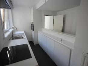 Dit appartement beschikt over 2 ruime slpk, ingerichte kkn, living, badk met douche/WC, terras van 7m². EPC kWh/m² : 139 UC: 930422 - VK 50e