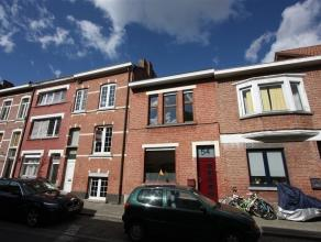 Gezellige instapklare rijwoning met 2 slaapkamers en tuintje aan de stadsrand van Mechelen met een zeer vlotte bereikbaarheid tot het stadscentrum van