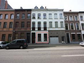 Karaktervol appartement met 1 slaapkamer, zonnige tuin en garage op wandelafstand van het centrum van Mechelen. Dit charmant appartement omvat een rui