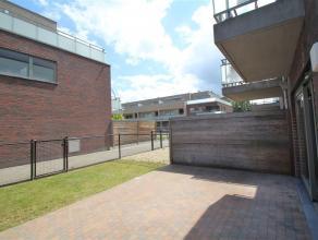 Trendy gelijkvloers app met tuin! Zeer goed gelegen appartement, vlotte aansluiting E19 Mechelen Zuid, station Mechelen, shopping,... Mooie afwerking,