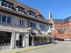 Opbrengsteigendom bestaande uit 3 studio's en 1 handelsruimte Dit eigendom is gelegen in het centrum van Putte, in de schaduw van de kerk. Het beschik