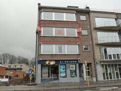 In centrum gelegen appartement met 3 slaapkamers,living ca.50 m²en terras. Lift aanwezig.Garage mogelijk mits meerprijs.Aangenaam en verzorgd geb