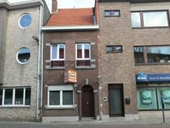 Ruime gezinswoning met 2 slaapkamers en tuin met achteruitgang. Aangename woonomgeving Brasschaat - Kaart. Oppervlakte ca 150 m².