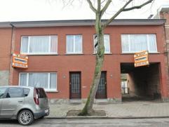 Zeer polyvalent eigendom bestaande uit een eengezinswoning (nr 34) met 3 slaapkamers met naastgelegen inrit, een appartement (nr 32) op de 1ste verdie