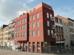 Zeer gunstig gelegen nieuwbouwappartement met 2 slaapkamers, terras, kelder en gemeenschappelijke fietsenberging. Aangename ligging te 'Antwerpen - Da