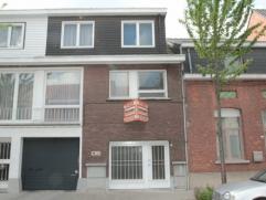 Ruim duplexappartement met eigen inkom, 3 mogelijk 4 slaapkamers. Bewoonbare oppervlakte ca 190 m². Aangename woonomgeving in centrum van Maria-T