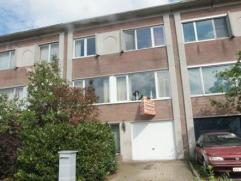 Zeer gunstig gelegen ruime bel-etage woning met 4 slaapkamers, inpandige garage en tuin. Aangename ligging bij centrum en park van Brasschaat.