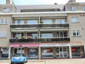 Betreft een zéér gunstig gelegen handelsgelijkvloers van 140 m2 bestaande uit een gelijkvloers van 75 m2 en een benedenverdieping van 65