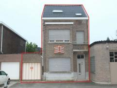 Te renoveren woning volledig tot casco afgebroken met ruime living, eetruimte, mogelijk open keuken, ruim Zuidgericht terras, ruime inpandige garage,