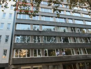 Zeer gunstig gelegen appartement met 2 slaapkamers in verzorgd en goed onderhouden gebouw. Aangename ligging in centrum bij 't Eilandje en nieuw park