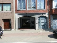 Goed gelegen magazijnruimte (oppervlakte +- 200m²). Gelegen nabij de Bredabaan van Merksem en uitvalswegen.