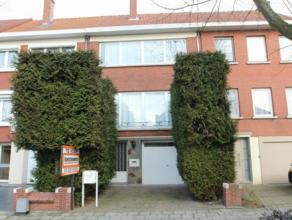 Verzorgde bel-etagewoning gelegen in een rustige omgeving, vlakbij het centrum en het openbaar vervoer. De woning omvat op het gelijkvloers: een garag