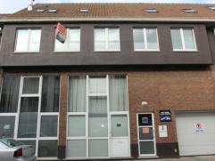 Luxueus duplexappartement met een oppervlakte van 250 m² in het centrum van Ekeren. Het eigendom beschikt over 2 slaapkamers met douchekamer of b