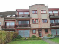 Appartement op de eerste verdieping gelegen op de grens met Hoevenen en Ekeren. Voorzien van 2 slaapkamers,terras en garage. Beschikbaar 01/02/2015.