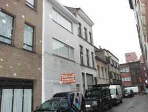 Centraal gelegen woning in nieuwe woonerf (zone 30) te 2000 Antwerpen, pal in het centrum, winkels, Groenplaats, Nationalestraat openbaar vervoer op w