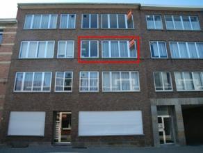 Appartement gelegen nabij het centrum van Mariaburg met 2 slaapkamers, zuidgericht terras en autostaanplaats. Nieuwe PVC ramen! Beschikbaar vanaf 1 ma
