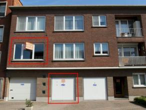 Instapklaar en gunstig gelegen appartement met als indeling een inkomhal, living, keuken, nieuwe badkamer, 2 slaapkamers en achteraan een terrasje. Bi