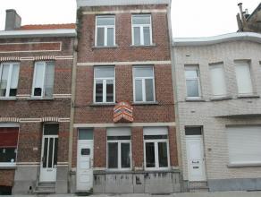 Gunstig gelegen volledig te renoveren woning met 8 slaapkamers en tuin. Centrale ligging te Deurne Noord op wandelafstand van openbaar vervoer en park