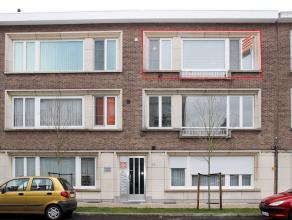 Mooi en verzorgd appartement met 2 slaapkamers, gelegen nabij het centrum, openbaar vervoer, winkels en scholen. Beschikbaar 1 april 2016.