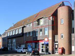 Ruim duplexappartement gelegen in het centrum van Ekeren met 3 slaapkamers, ruime mezzanine, 3 terrassen, autostaanplaats en gemeenschappelijke fietse