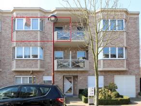 Volledig gerenoveerd appartement gelegen in een doodlopende straat. Dit appartement beschikt over hal, gastentoilet met handenwasser, living met volle