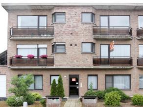 Verzorgd en energiezuinig appartement met 2 slaapkamers, terras (W), individuele kelder en garagebox gelegen op de grens met Kapellen. Beschikbaar: 1