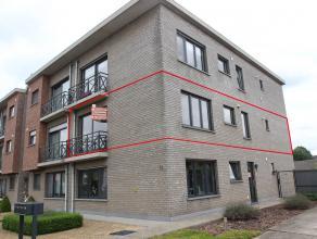 Appartement met 2 slaapkamers, terras en garage.Er is een lift in het gebouw en het appartement is onmiddellijk beschikbaar.