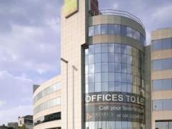 Kantoren te huur gelegen aan de Antwerpse Singel! Het betreft een uiterst modern kantoorgebouw gelegen op de Antwerpse Ring vlakbij de op- en afrit An