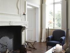 Prachtig en smaakvol gerestaureerd GEMEUBELD appartement gesitueerd in een directeurswoning (beschermd monument) uit 1759, gelegen op een toplocatie m