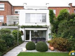 Te Edegem Molenveld/ Elsdonck gelegen volledig instapklare en karaktervolle gezinswoning met Z-tuin! Gelegen in een straat met uitsluitend plaatselijk