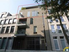 Prachtige duplexpenthouse op de 3de en 4de verdieping van een klein gebouw (slechts 3 appartementen!) met 2 terrassen met uitzicht op de zeer gezellig